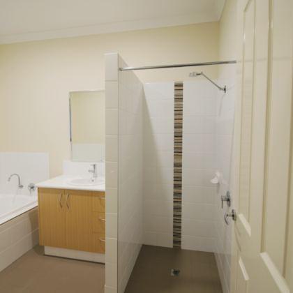 222 Robinsob Bathroom 2